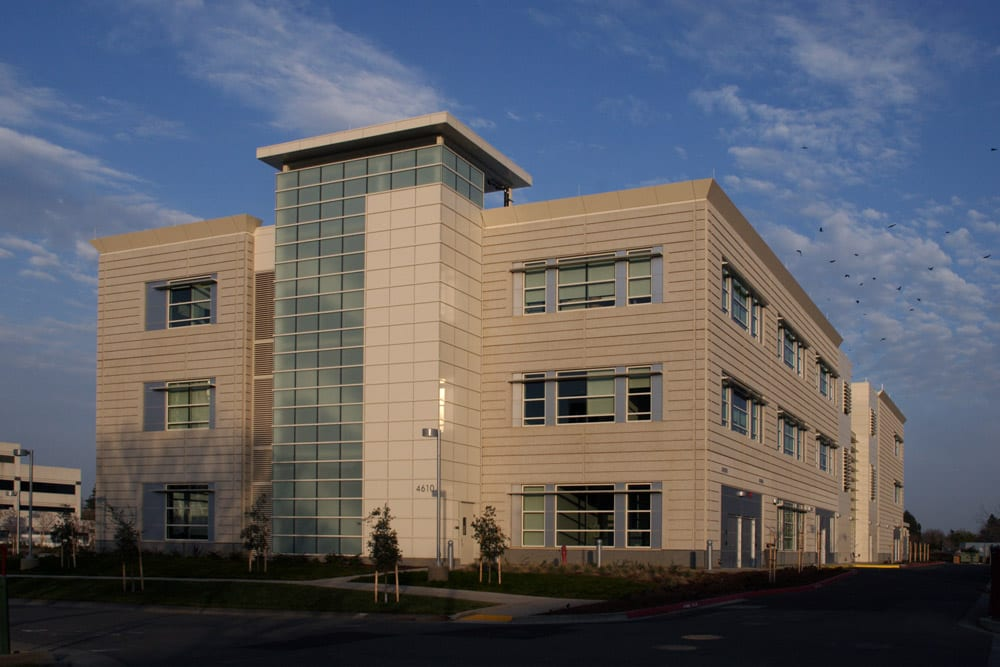 UC Davis Health Services Education Building